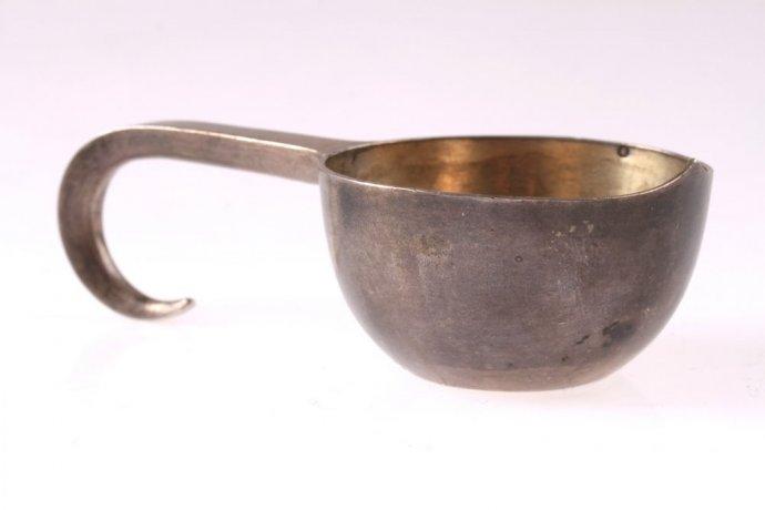 Ковш из серебра 84-й пробы. Внутри золочение. Российская империя. 1881 г.